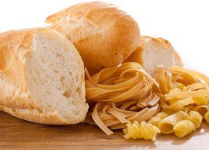 Pasta e pane bianco